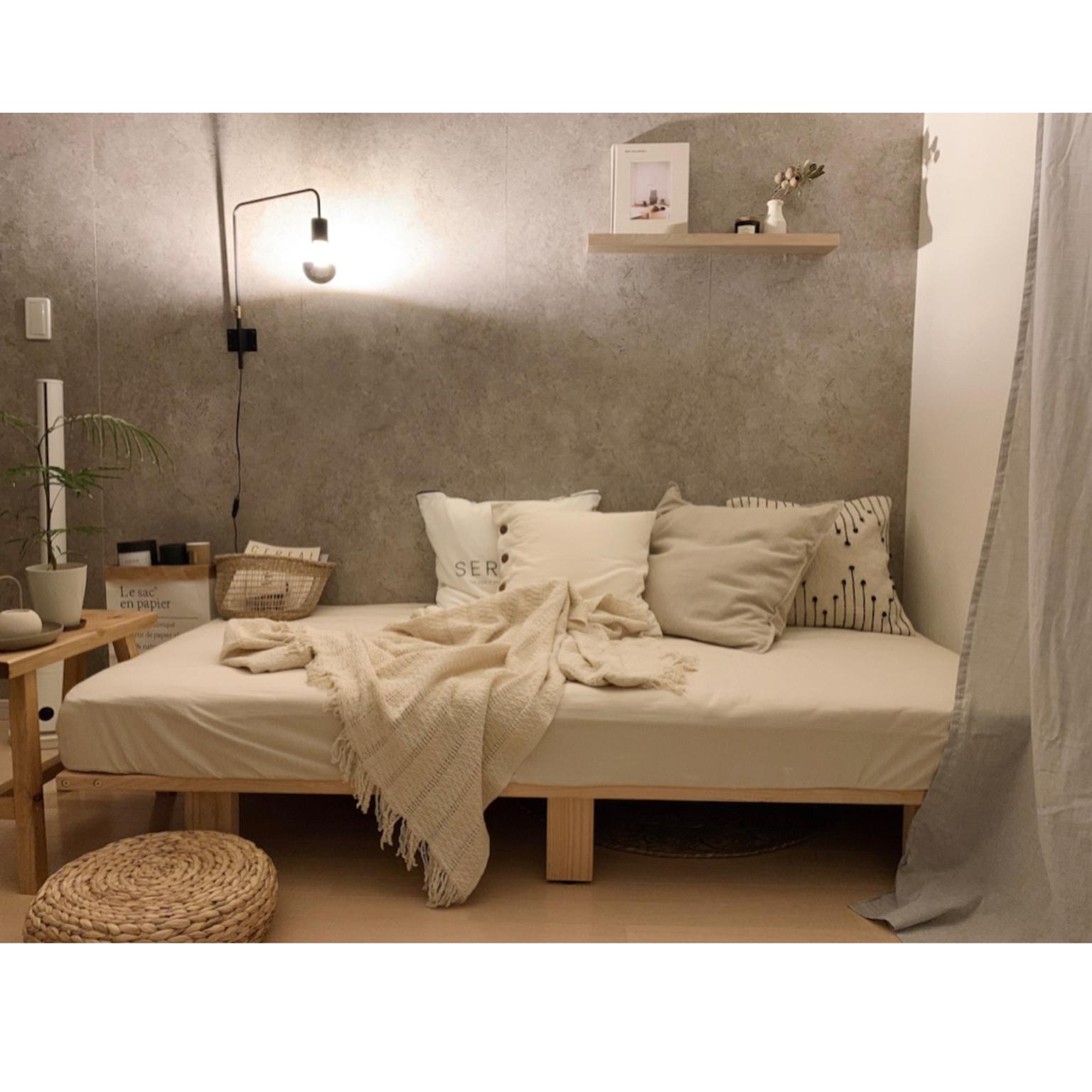 IKEA/ニトリ/ヒヤシンススツール/クッション/コンクリート風壁紙...などのインテリア実例 - 2021-04-22 21:23:45