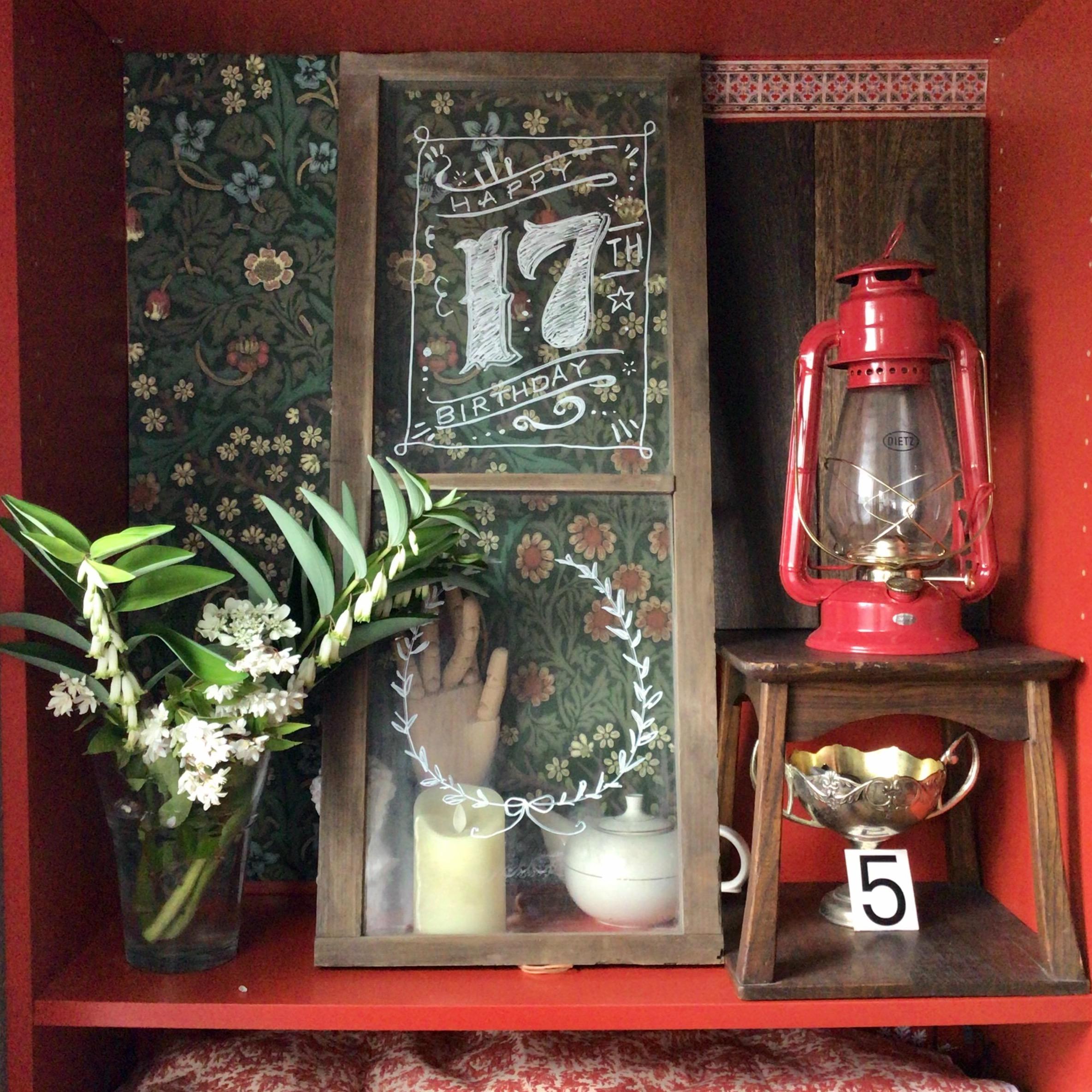 モリス壁紙/赤い棚ビリー/レースフラワー/ナルコユリ/ヒメウツギ...などのインテリア実例 - 2021-04-23 21:15:15