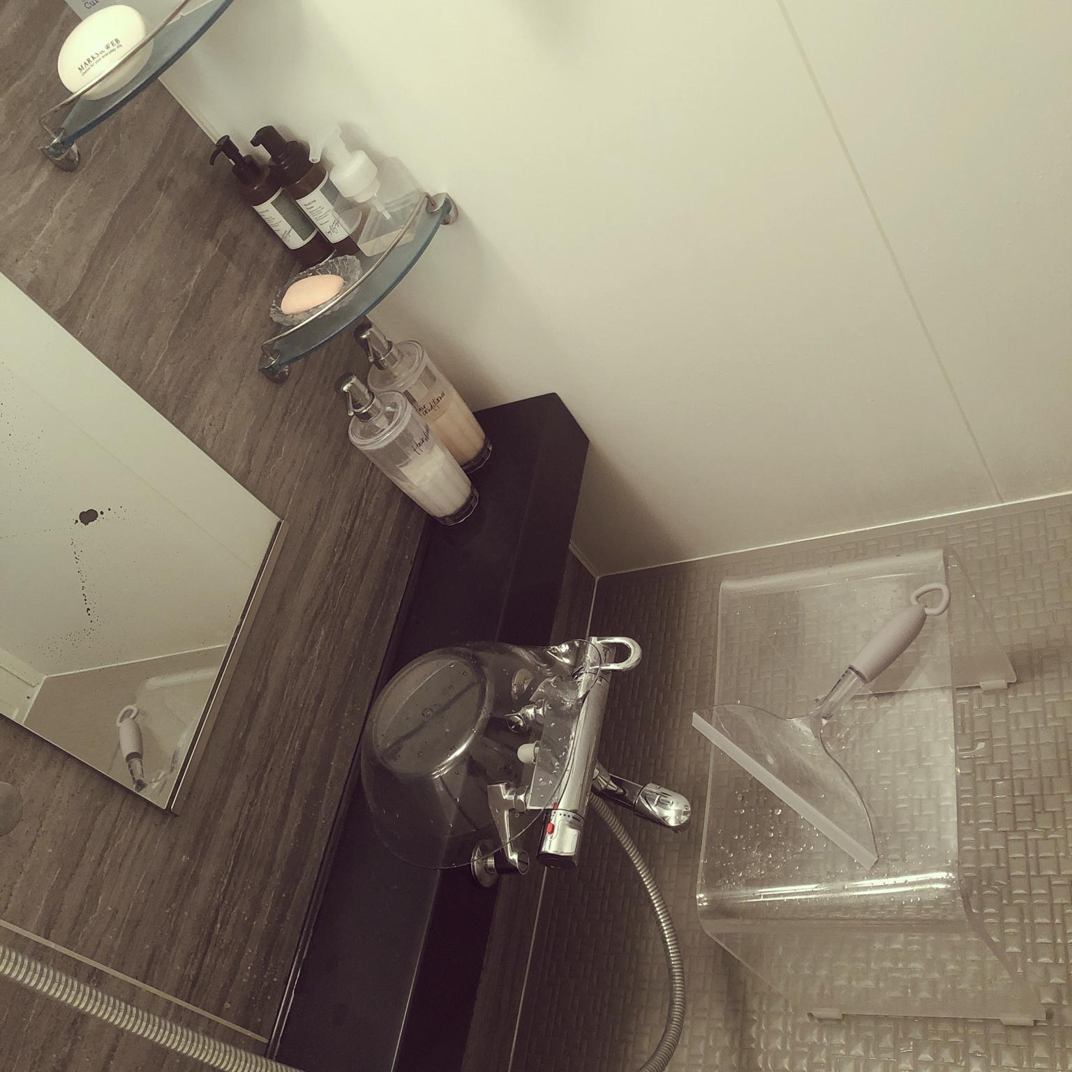 清潔感/洗面器はニトリ/スクイージー/100均/浴槽に掛けられるバスチェア...などのインテリア実例 - 2020-11-30 10:34:49