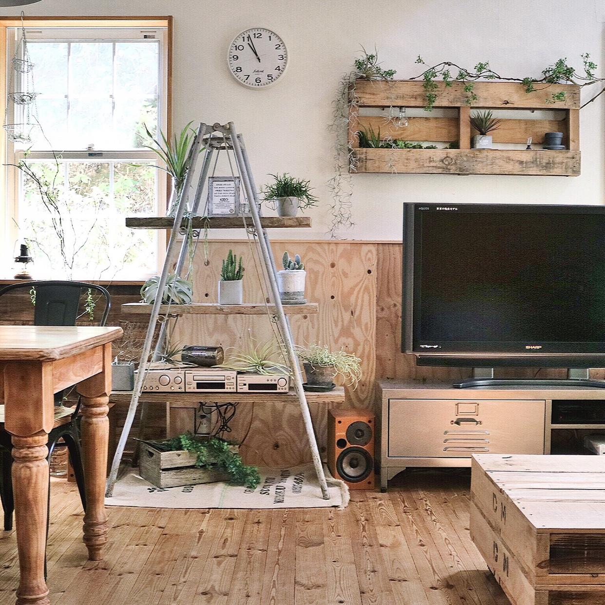 Let's DIY!オールド感ある足場板を使った家具&雑貨