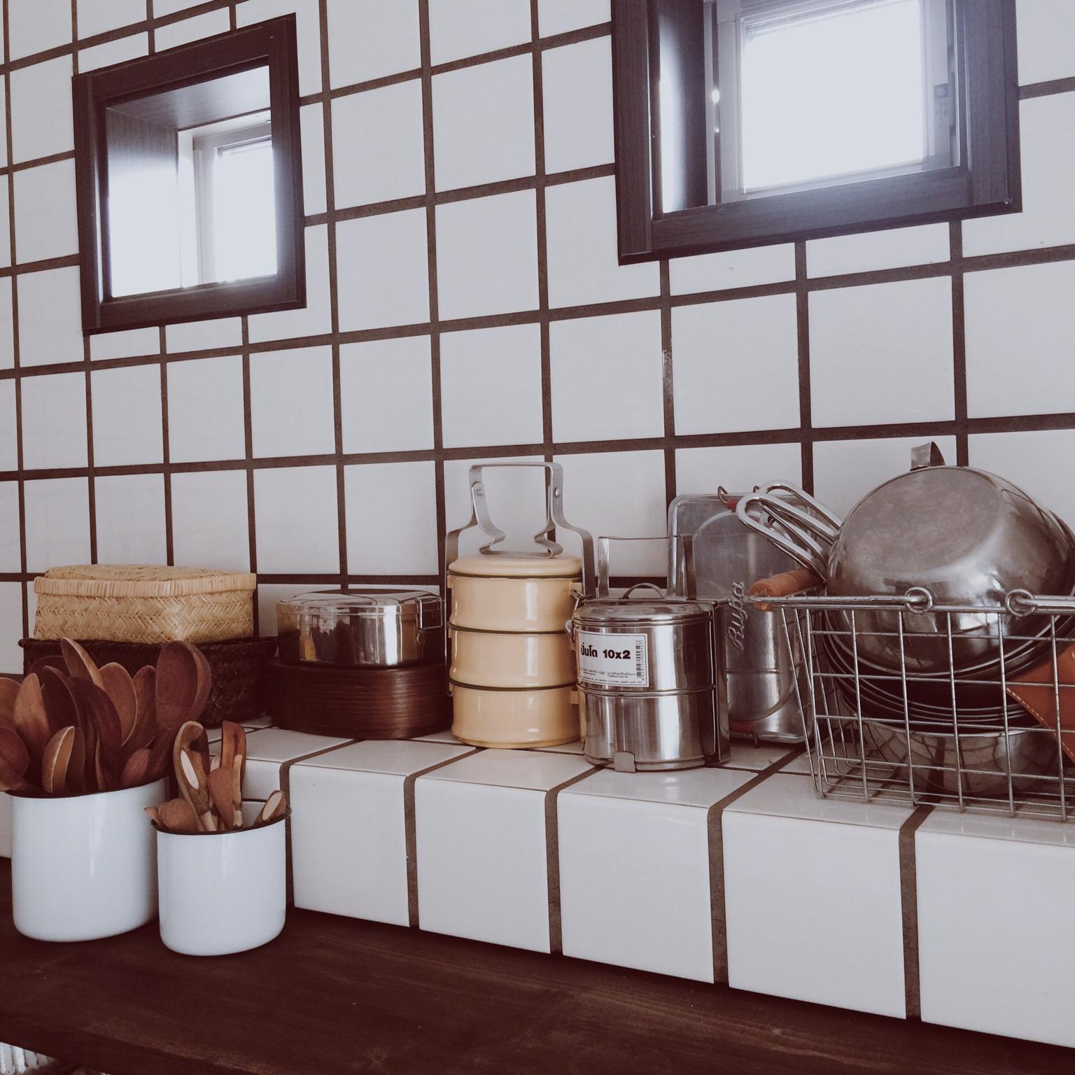 忙しい朝のお弁当づくりが楽になる!?弁当グッズの収納方法