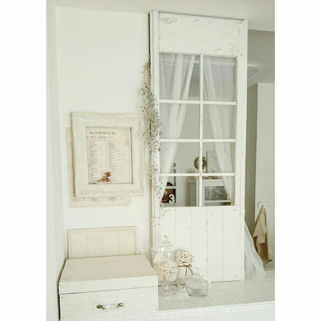 引き戸リメイクで、キッチンカウンターを可憐にデザイン!mariko*さんの窓枠作り