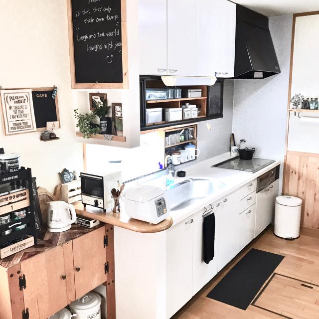 「Iライン収納で時短家事◎清潔感あるコックピットキッチン」 by jun.sakさん