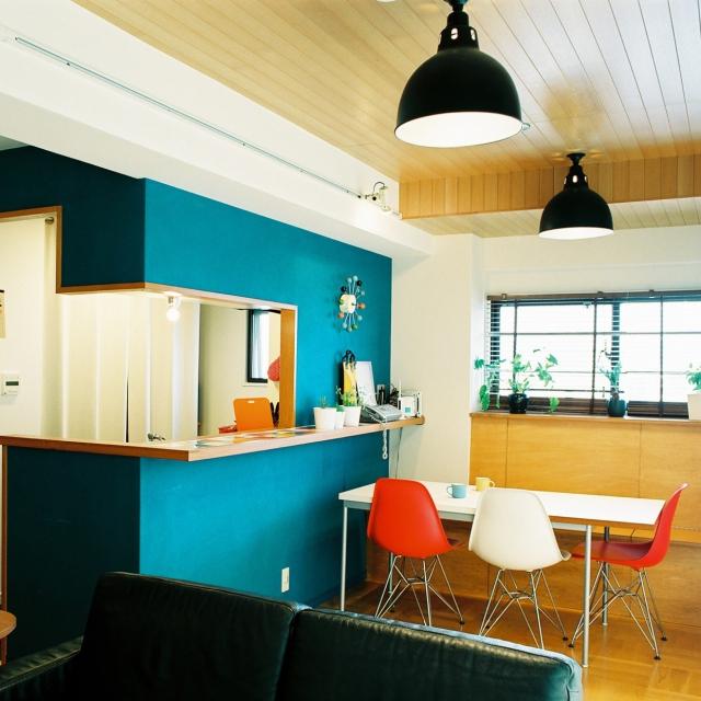 「絶妙なカラーコーディネート。インテリアのプロが作るモダンなカフェ空間」憧れのキッチン vol.72 Youkiさん