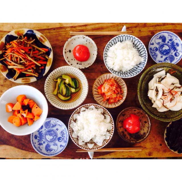 沖縄、大分、栃木…各地のうつわが彩る食卓
