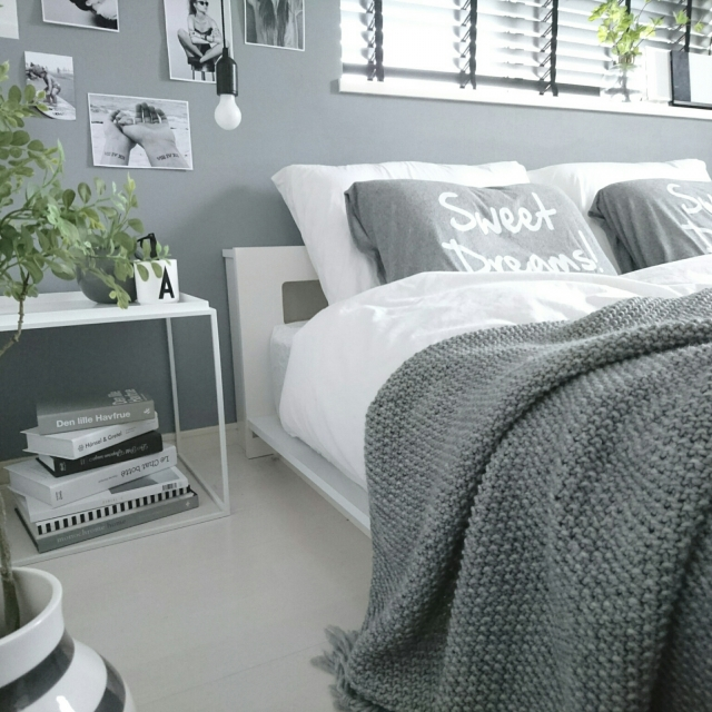 上質な雰囲気☆グレーインテリアが主役のベッドルーム
