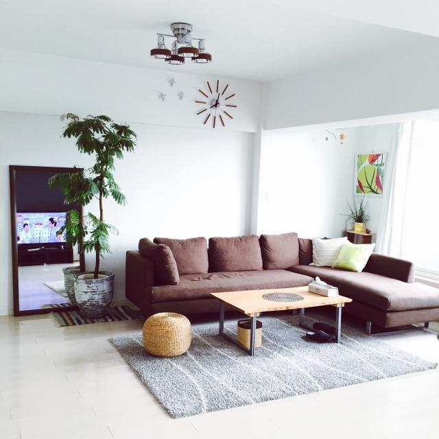 濃い色の家具をひとつ部屋に持って来よう