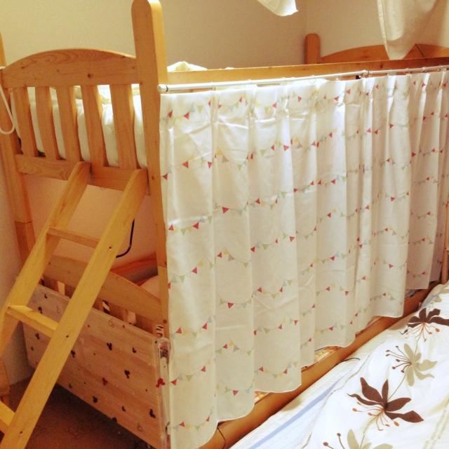 カーテンをつけて個室風
