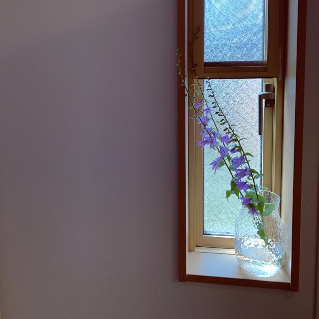 「シンプルを美しく洗練する、ガラスのフラワーベース」 by tamさん