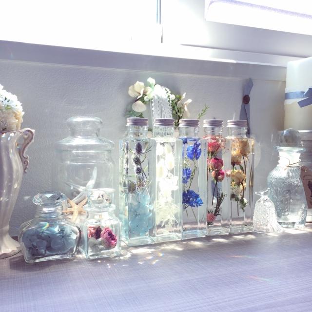 美しい浮遊感が魅力☆ハーバリウムでお部屋に華やかさを