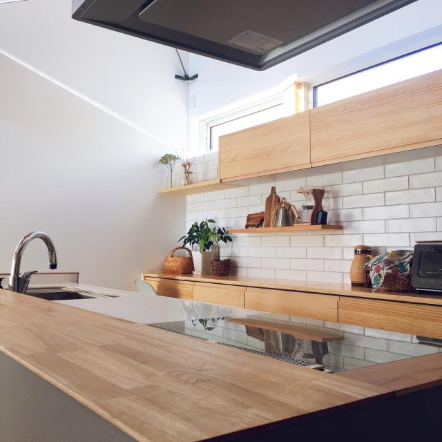 「予算内でもこだわりを実現◎家族をつなげる開放的なキッチン」 by renaさん