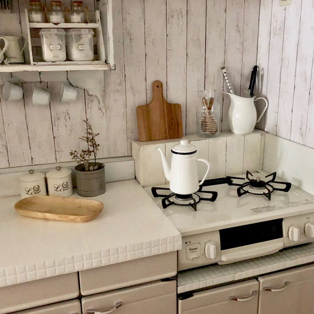 オンライン限定!リンナイの「真っ白ホーローガスコンロ」を置いてみたら、キッチンがこんなに変わった♡