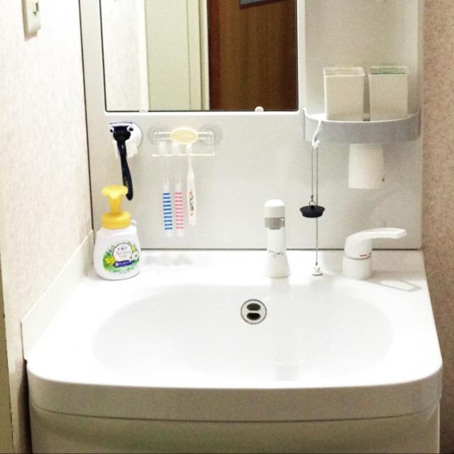 シェーバーも歯磨き粉もすっきり!便利な収納グッズ実例