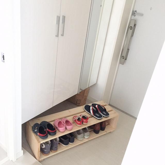 小さなスペースも無駄にしない!玄関の隙間収納アイデア