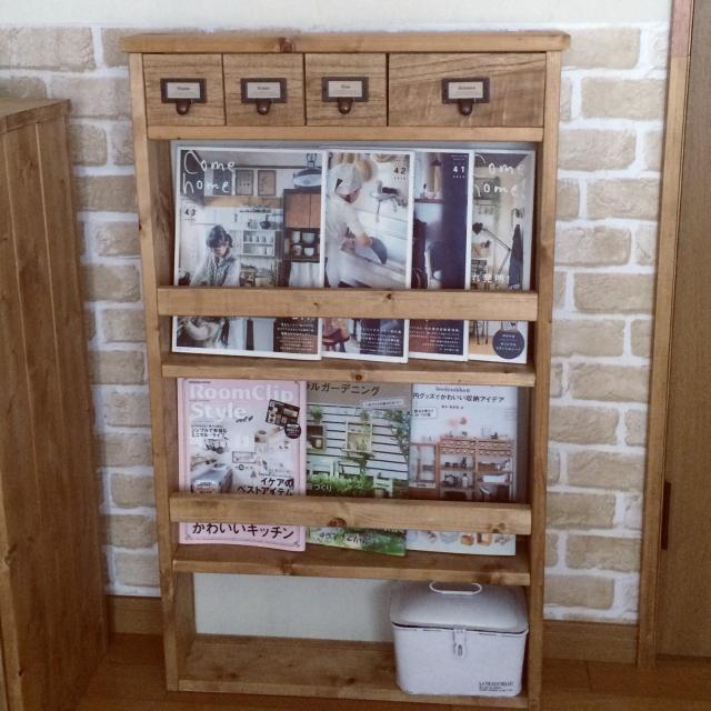 お気に入りの本を飾って収納♪jujuさんの薄型ブックシェルフ