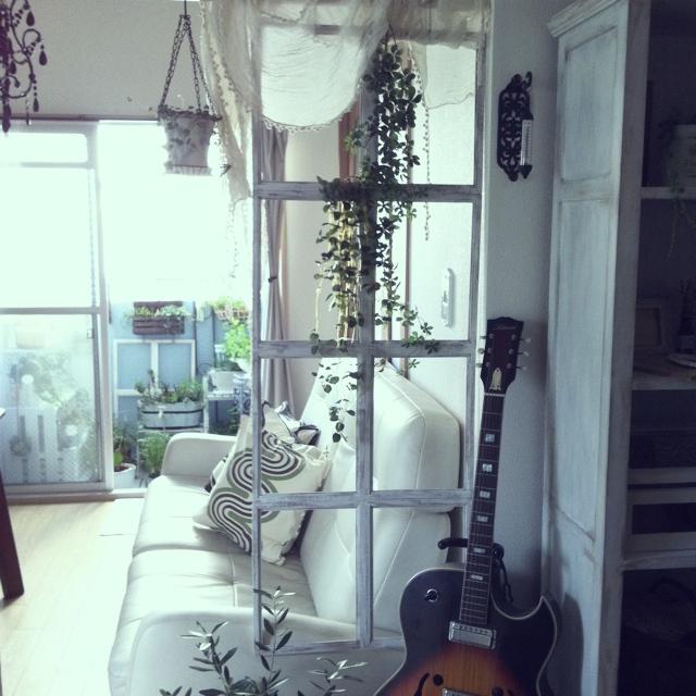 小さな場所から大きな変化を!DIYで広がる窓枠の可能性