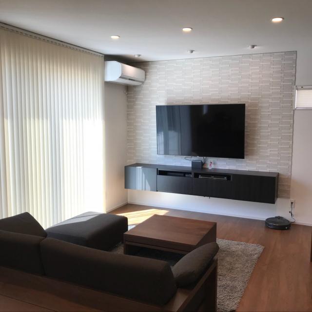 まるで映画に出てくるお部屋みたい♡壁掛けテレビの実例集