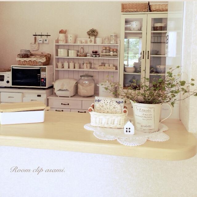 白がきれいなキッチン