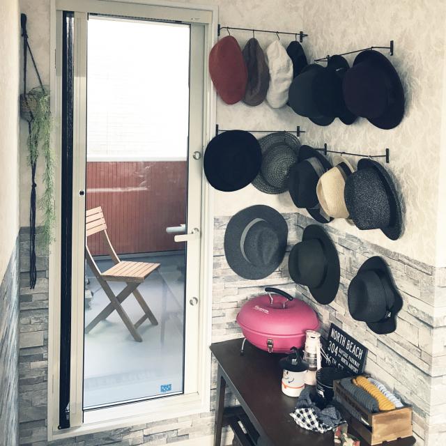 ハットやキャップを上手に収納!センスのいい帽子の収納法