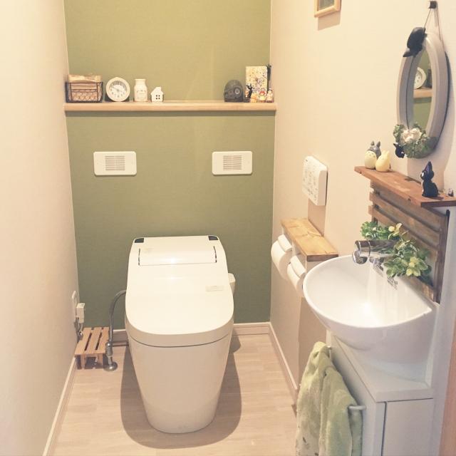 緑や小物使いがポイント!居心地のよいトイレの作り方