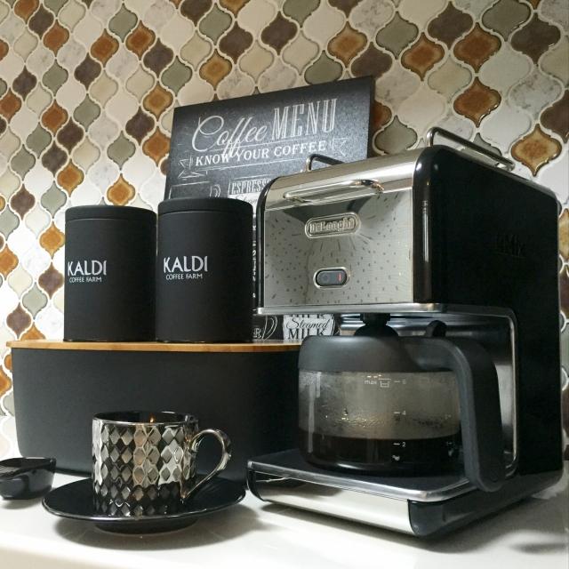 統一感のあるアイテムで洗練のカフェスペース