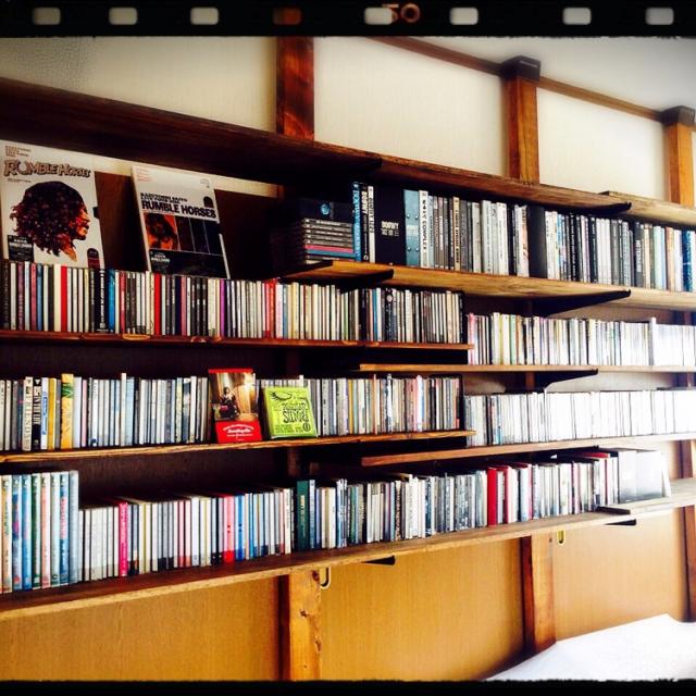 ディアウォールでCD&DVD収納棚