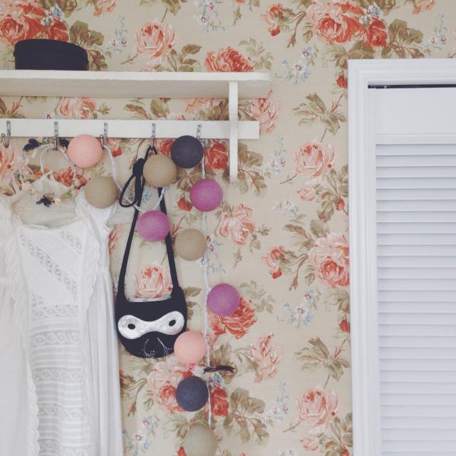 バラの壁紙はプリンセスルームの定番