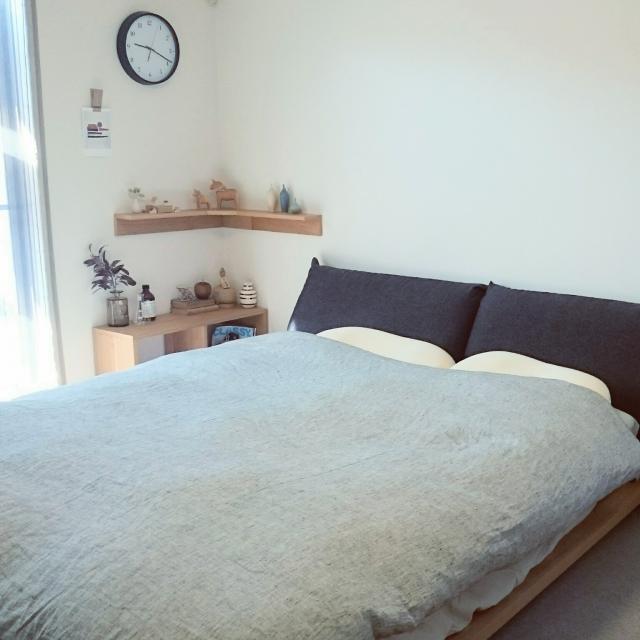 ここに注目!ベッドサイドを使いこなしてより快適な空間を