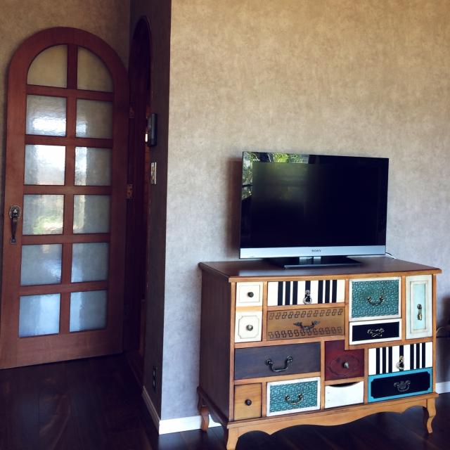 カラフルなデザインの家具と合わせて