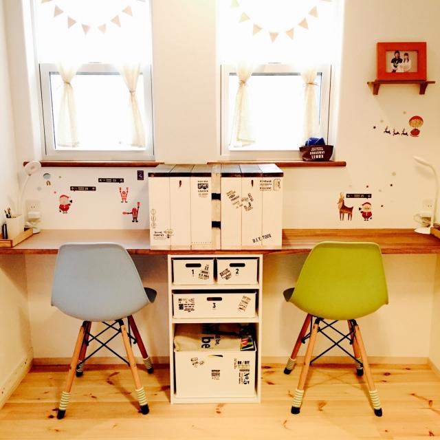 机を簡単にDIYできる!棚の上に板をのせるアイデア10選