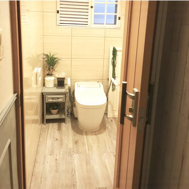 トイレの床はこうして見栄えよく♡清潔感も感じられる実例