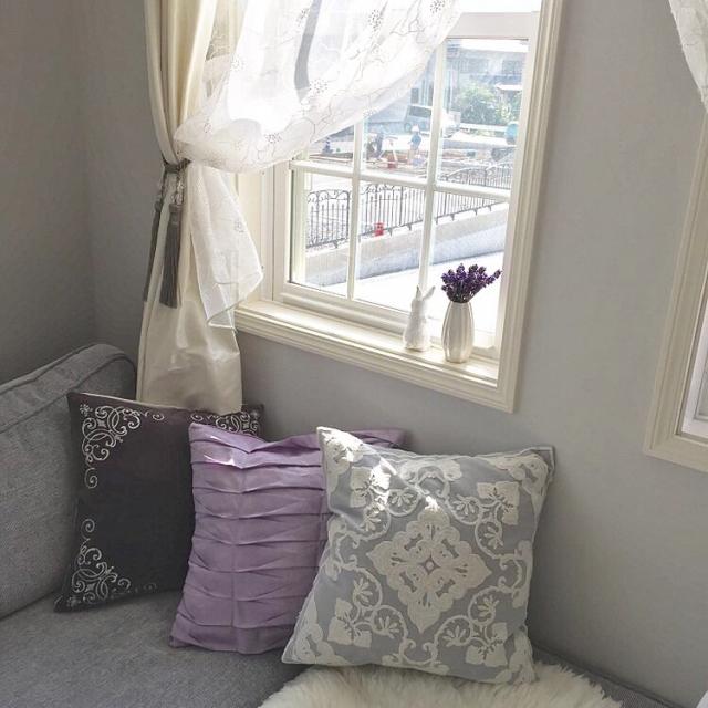 うっとり見惚れる華やかな窓辺♡魅せるカーテンのまとめ方