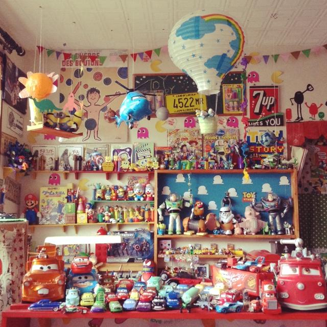おもちゃで作るポップな世界♪