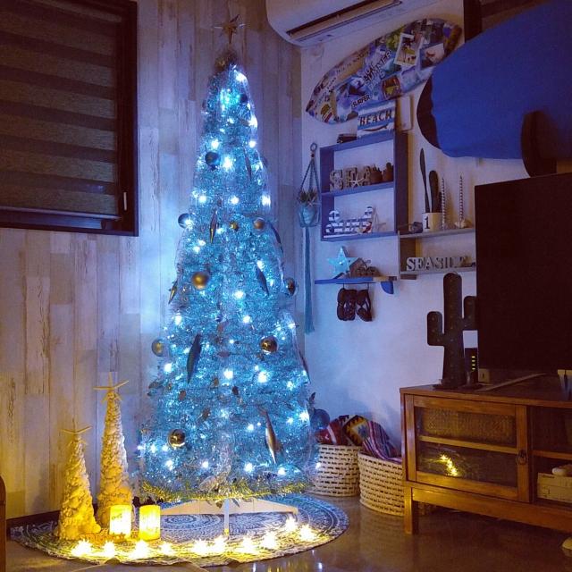 今年のクリスマスツリーはブルーをとり入れてみませんか?