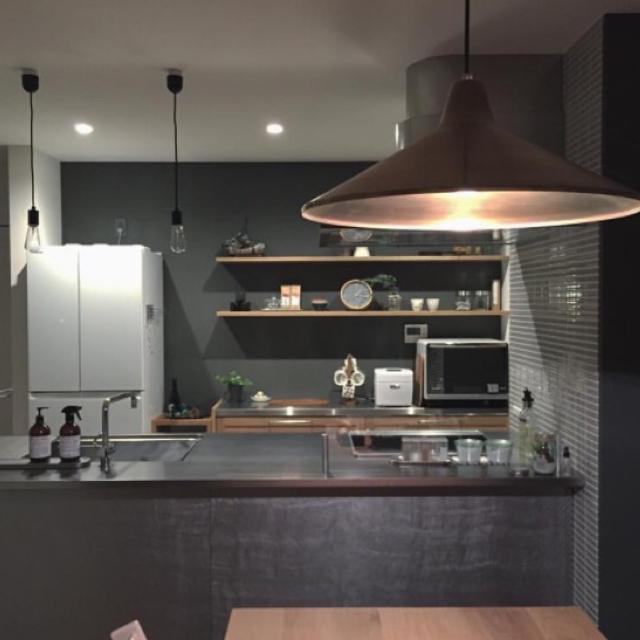 「直感を信じて作り上げた、大好きを詰め込んだ場所」憧れのキッチン vol.50 tSaさん