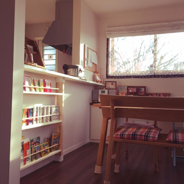 DIYの絵本棚をココに!絵本が身近になる実例10選