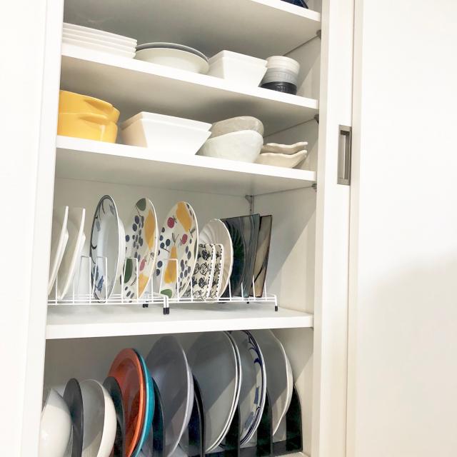 取り出しやすさアップ♪食器収納に使える100均アイテム