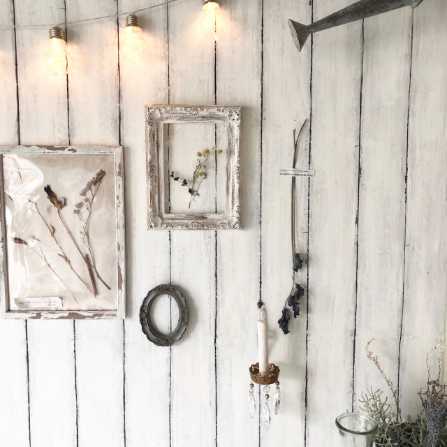 憧れのアンティークを再現!手作り雑貨とリメイク家具10選