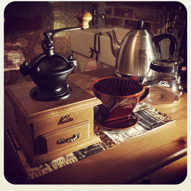 カリタのコーヒーミルで楽しむインテリア写真