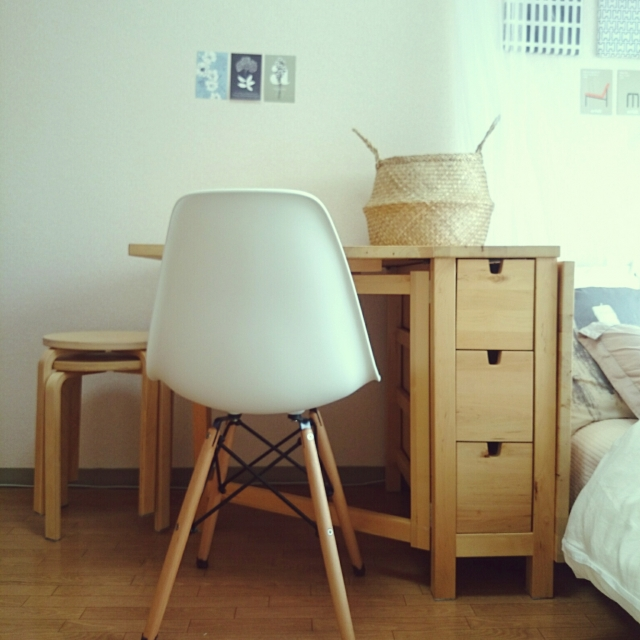 IKEAのコンパクトなテーブルで叶う♪理想の1人暮らし空間