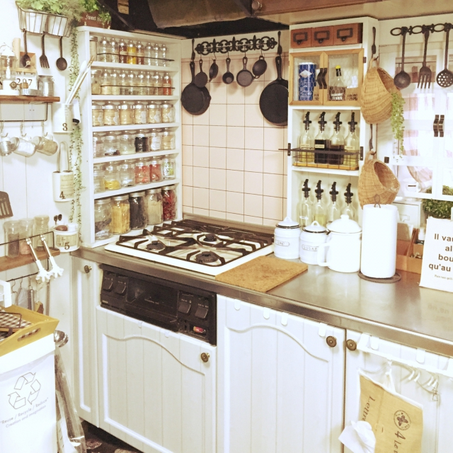 「私の癒しの場所。手間をも楽しんで作り上げたナチュラルカフェ空間」憧れのキッチン vol.126 lovekuma80さん