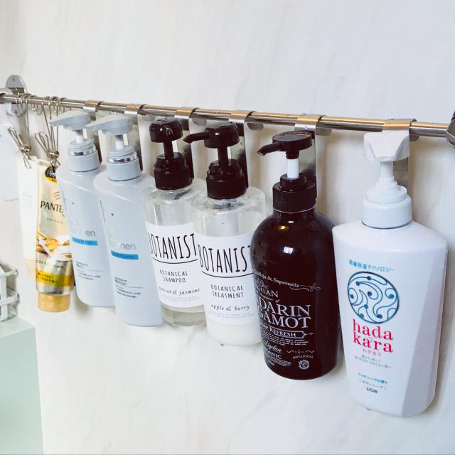 すっきりした清潔感を♡浴室で容器を吊るして使う方法
