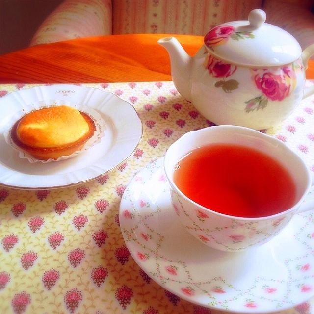 お姫様のティータイムの気分を味わえる茶器