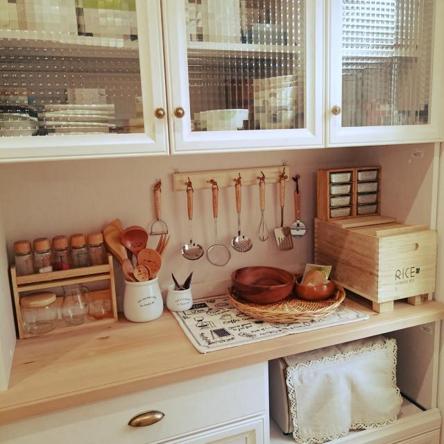 木のぬくもりが魅力的♡フレンチカントリーのキッチン
