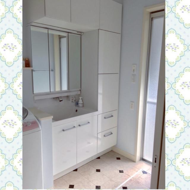 洗面所に空間をプラス!吊り戸棚でより便利に使いやすく
