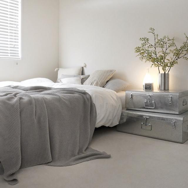 ベッド+ワンアイテム!シンプルなベッドルームのアイデア