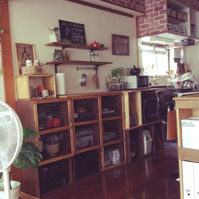 あると便利☆食器棚にチキンネット風扉をつけよう by Nikki88さん