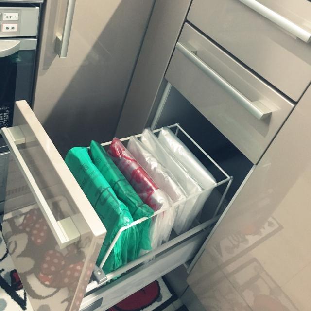 これでスッキリ!たまるレジ袋やゴミ袋の収納実例12選