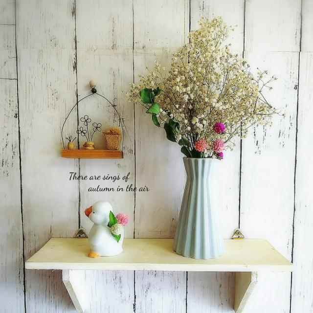 華やかにもシンプルにも花を愛でる♡ダイソーの花瓶