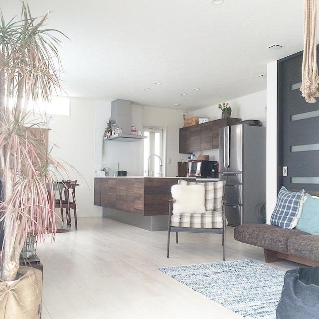 存在感のある家具の色を統一